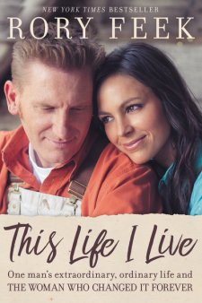 In this heartwarming memoir, This Life I Live, Rory Feek shares the emotional journey of his wife's battle with terminal cancer and the story of his life.